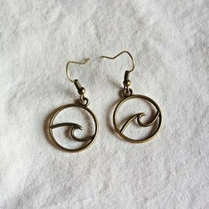 New Antique bronze wave earrings